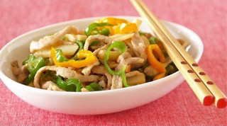 How to Make Stir-Fried Shredded Pork and Green Peppers (Chinjao Rosu Recipe) オイスターソースを使わない青椒肉絲の作り方